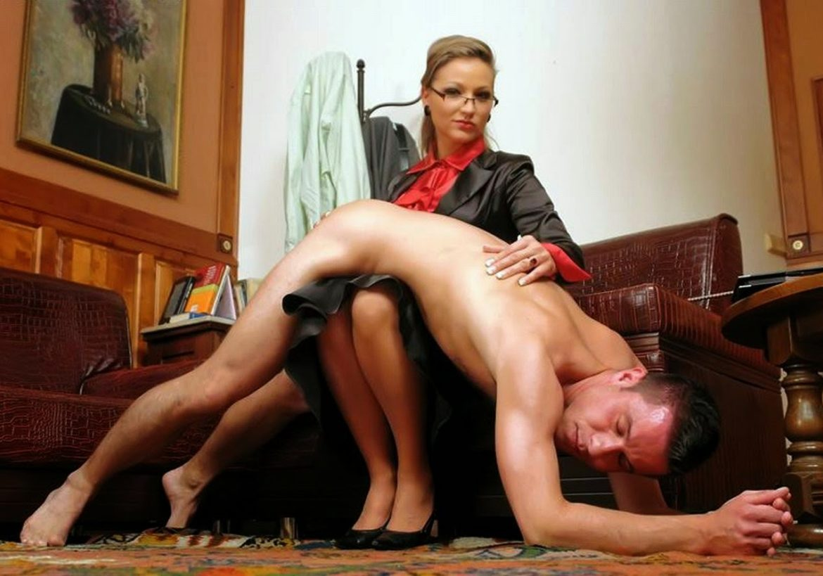 Mistress Cindy Gives Him Punishment